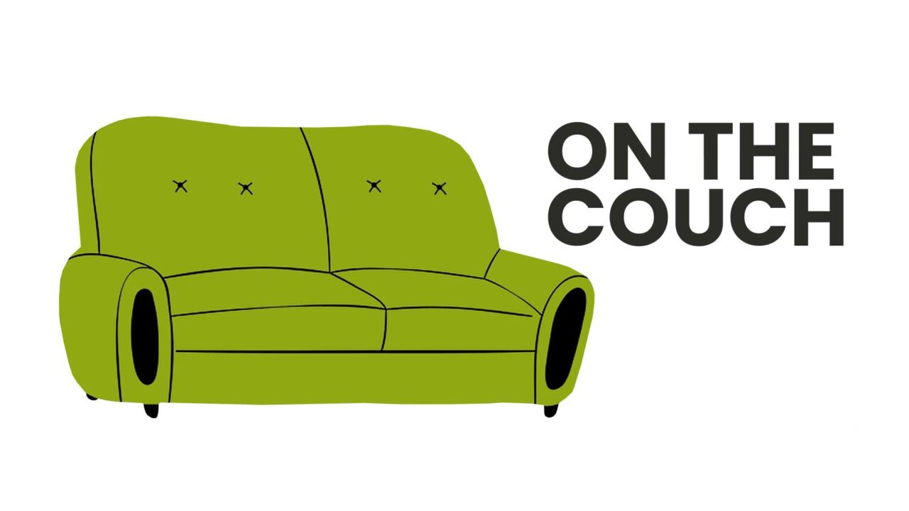 DDWA green couch cartoon image